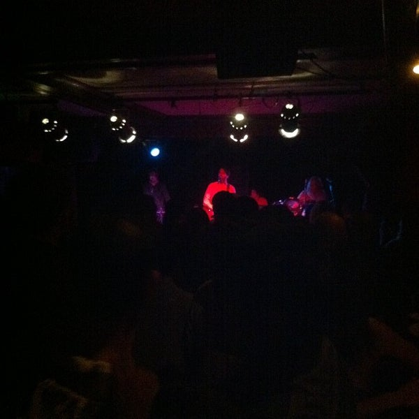 Photo prise au Cafe Du Nord par Phil N. le8/23/2012