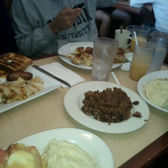 Photo taken at Bull's Head Diner by Lorenzo S. on 10/2/2011