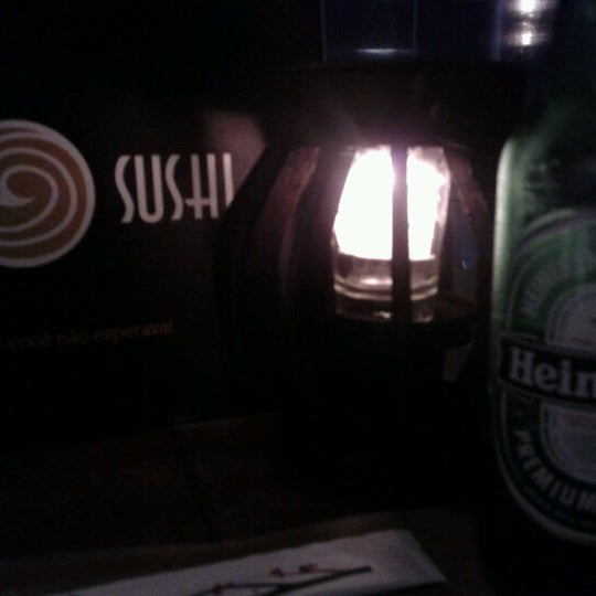 Foto tirada no(a) Brava Sushi por Christian G. em 6/24/2012