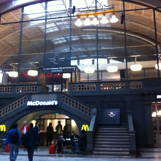 Photo taken at McDonald's by Naoko M. on 5/4/2012