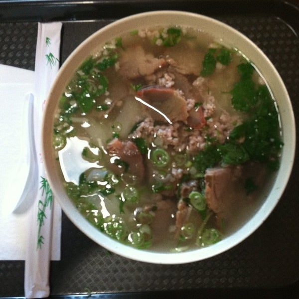 Photo taken at Teo Chow Noodle Shack by Aaron Mark A. on 5/13/2012