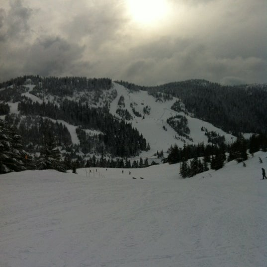 Photo taken at Cypress Mountain Ski Area by Agnès T. on 3/23/2012