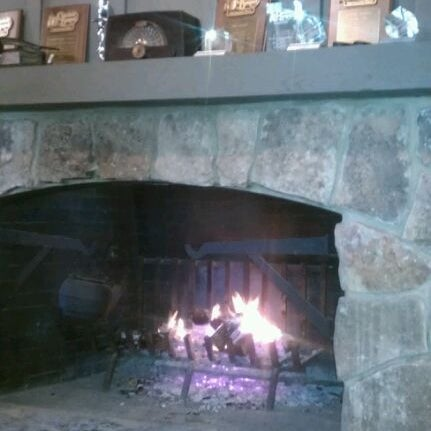 Photo taken at Cracker Barrel by Jasmine T. on 1/14/2012