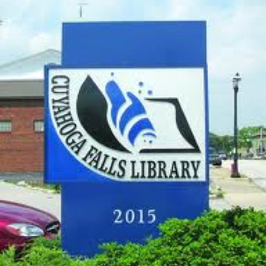Photo taken at Cuyahoga Falls Library by Mike P. on 6/27/2011