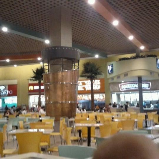 Foto tirada no(a) Mall del Sur por Juan Francisco C. em 1/11/2012