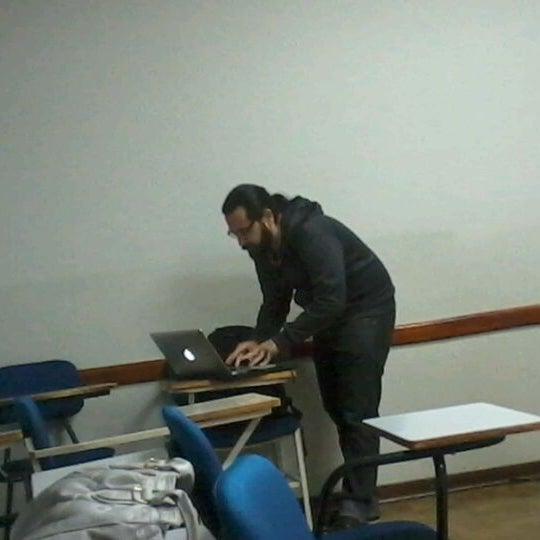 Снимок сделан в PUC Minas пользователем Allisson V. 5/15/2012