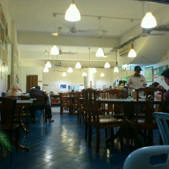 Photo taken at Homst Restaurant by Iffa S. on 9/21/2011
