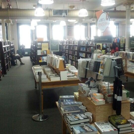 Foto tomada en Barnes & Noble por Michael D. el 9/11/2012