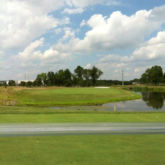 Foto tomada en 1757 Golf Club por Darin L. el 8/7/2012