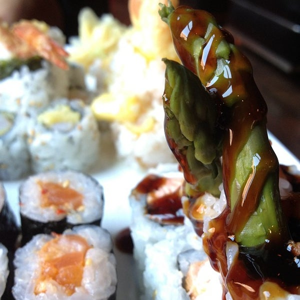 Photo taken at Blue Sushi Sake Grill by Miguel C. on 8/14/2012