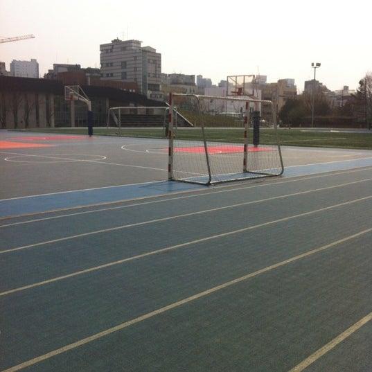 Photo taken at 현대고등학교 by Paul Y. on 4/11/2012