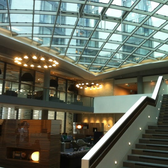 Tower Foyer Hilton Hotel : Doubletree by hilton hotel london tower of