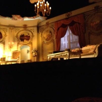 รูปภาพถ่ายที่ Belasco Theatre โดย Brian M. เมื่อ 8/14/2012