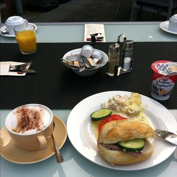 Das Foto wurde bei Hotel MinGarden von Dan L. am 9/10/2012 aufgenommen