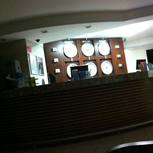 Foto tirada no(a) Atlântico Praia Hotel por Marcel C. em 4/2/2012
