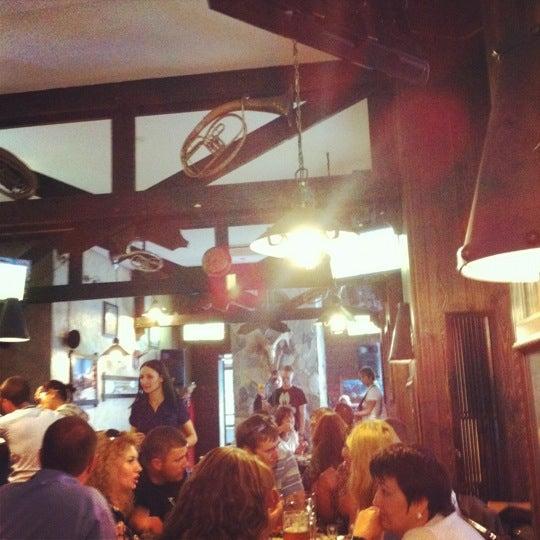 Снимок сделан в Bierhof пользователем MaryMMWed 8/17/2012
