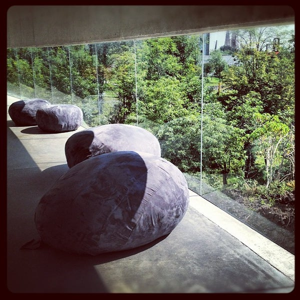 Foto tomada en MUAC (Museo Universitario de Arte Contemporáneo). por Alessandra V. el 9/7/2012
