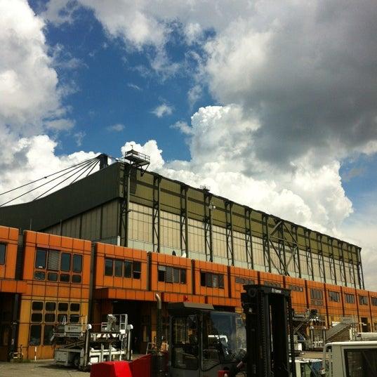 Lufthansa technik hangar flughafen tegel txl airport - Location hangar bruxelles ...