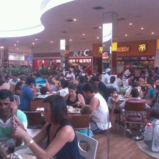 Foto tirada no(a) Boulevard Shopping Campos por Guilherme G. em 10/12/2011