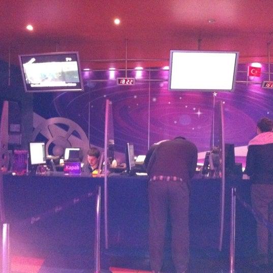 11/19/2011 tarihinde Saadet G.ziyaretçi tarafından Spectrum Cineplex'de çekilen fotoğraf