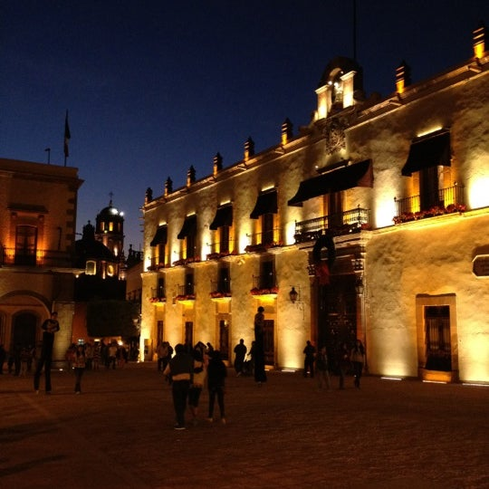 Casa de la corregidora government building in quer taro for Casa del diseno queretaro