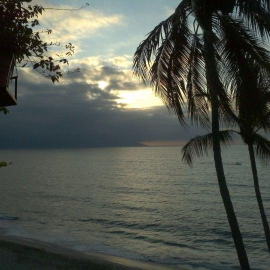 Foto tomada en Emperador Hotel & Suites por Rolo T. el 12/16/2011
