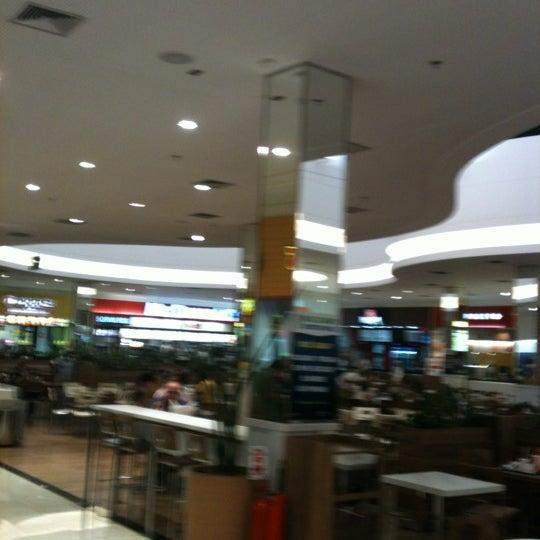 Foto tirada no(a) Boulevard Shopping Campos por Nelson L. em 3/27/2012