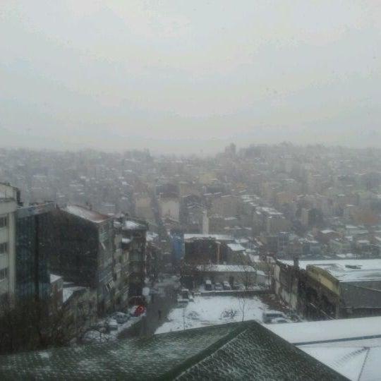 Foto scattata a Boğaziçi Elektrik Genel Müdürlüğü (Bedaş) da Cem I. il 1/31/2012
