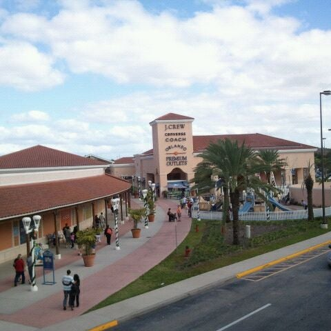 Photo taken at Orlando Vineland Premium Outlets by Enrico P. on 11/26/2011
