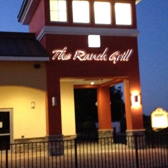 รูปภาพถ่ายที่ The Ranch Grill โดย Darrin S. เมื่อ 5/30/2012