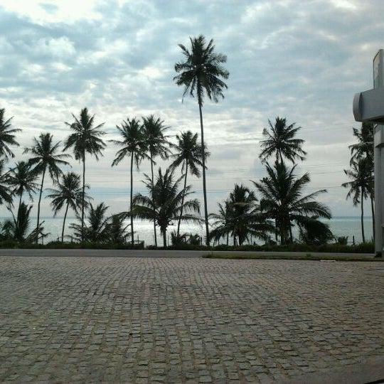 Foto tirada no(a) Praia Mirante da Sereia por Talita P. em 1/16/2012