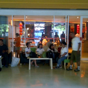 Photo taken at Harris Cafe by Risar on 1/20/2012