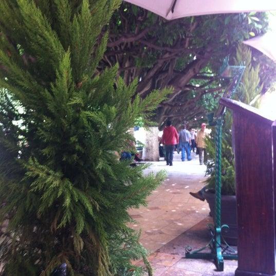 Foto tomada en Hotel Posada Santa Fe por Rodrigo C. el 8/26/2012