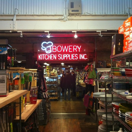 Bowery Kitchen Supplies Chelsea 1367人の訪問者 から 28個のTips 件