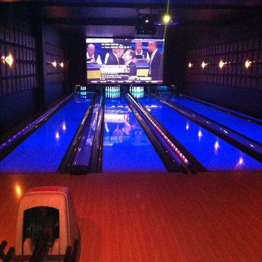 Photo taken at Lucky Strike New York by Augie O. on 3/11/2011