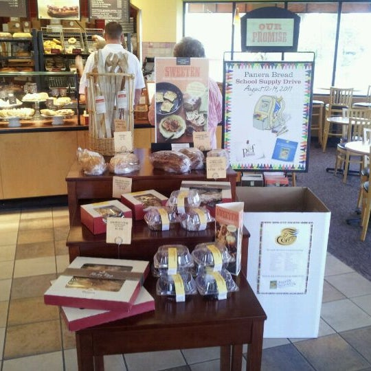 Photo taken at Panera Bread by Chuck W. on 8/17/2011