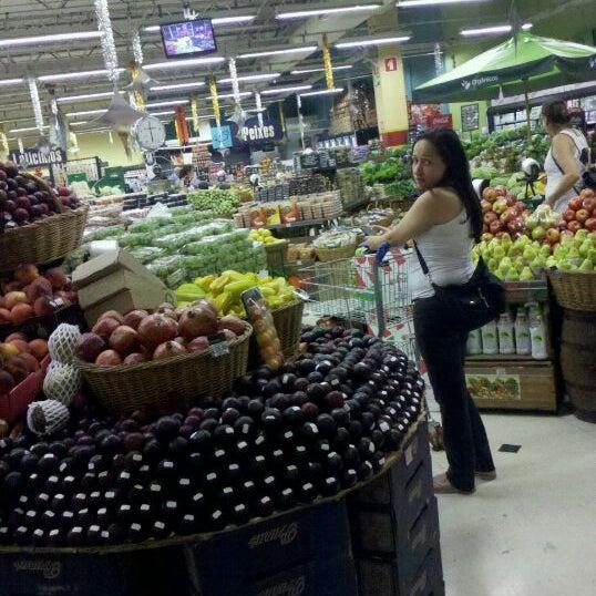 Foto tirada no(a) Pão de Açúcar por Ricardo P. em 12/23/2011