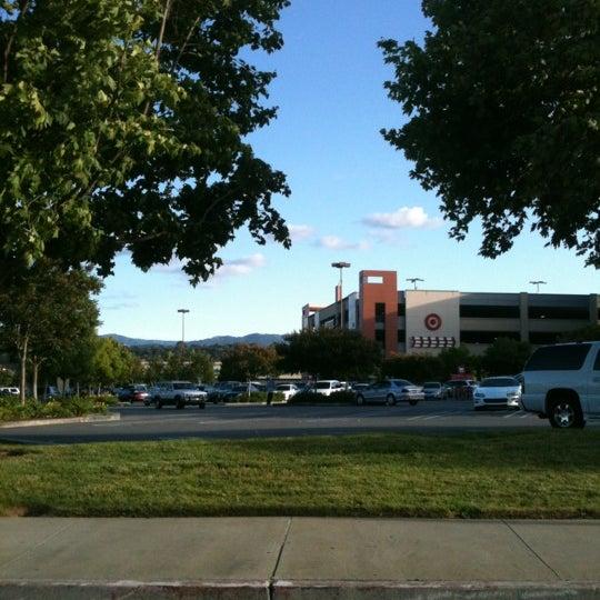 Photo taken at Westfield Oakridge by Rodolfo A. on 6/6/2012