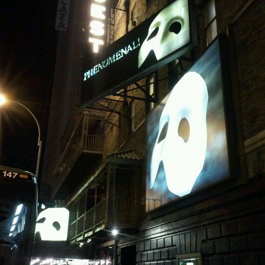 Foto tirada no(a) Majestic Theatre por Jun K. em 10/15/2011