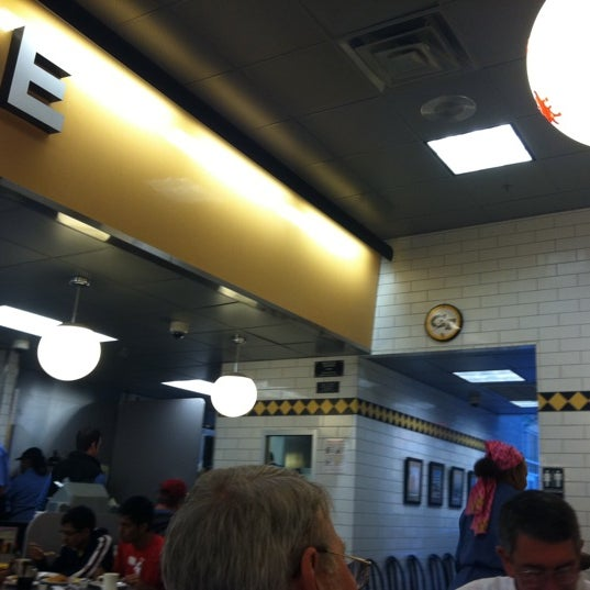 Photo taken at Waffle House by Japhy on 10/22/2011