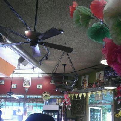 Foto tomada en Fiesta Martin Mexican Grill por Cisco G. el 9/1/2011