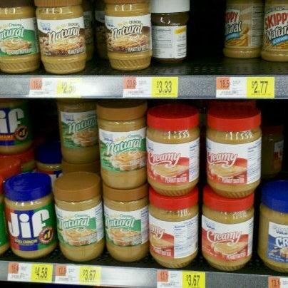 Das Foto wurde bei Walmart von Nataliya S. am 2/18/2012 aufgenommen