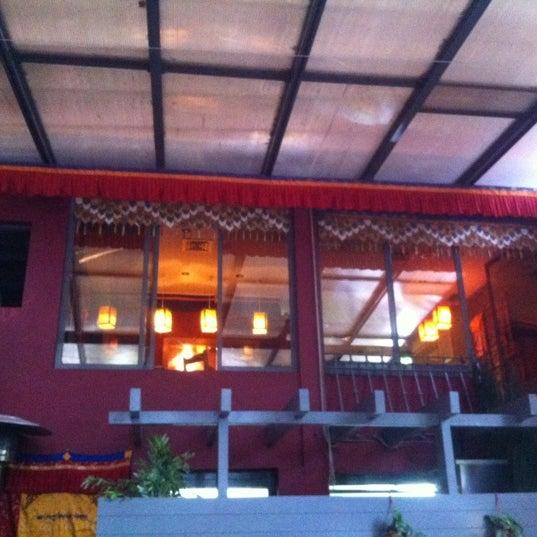Das Foto wurde bei Os Tibetanos von Link am 5/8/2012 aufgenommen