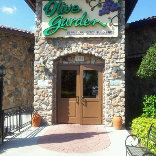 Photo Taken At Olive Garden By Frank C. On 4/1/2012