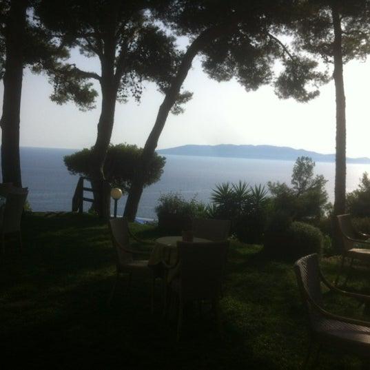 Foto scattata a Torre di Cala Piccola Hotel Monte Argentario da D@n!k il 7/27/2012