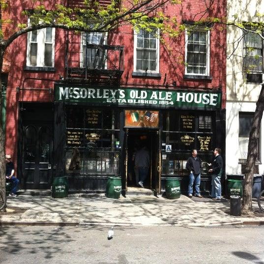 Photo prise au McSorley's Old Ale House par JessicaLaurenSF le4/14/2012