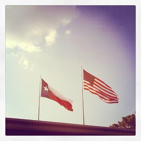 Foto tomada en Taste of Texas por Ben Z. el 5/22/2012