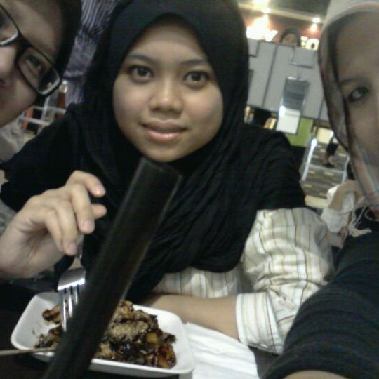 Photo taken at Chow Food Court by Aatifa S. on 12/7/2011