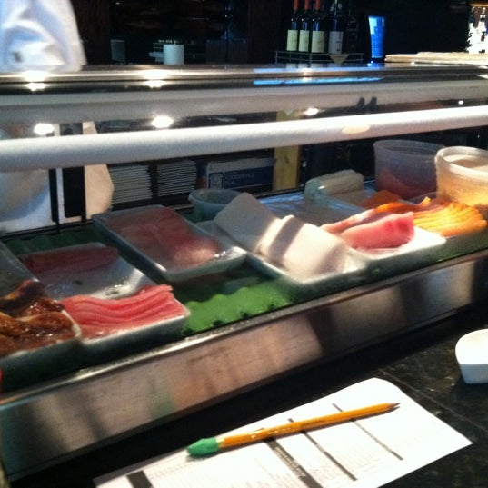 Photo prise au Sushi O Bistro par Billy M. le7/28/2011