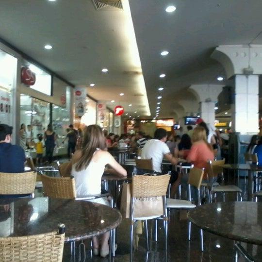 Foto tirada no(a) JL Shopping por Lucas V. em 8/25/2012